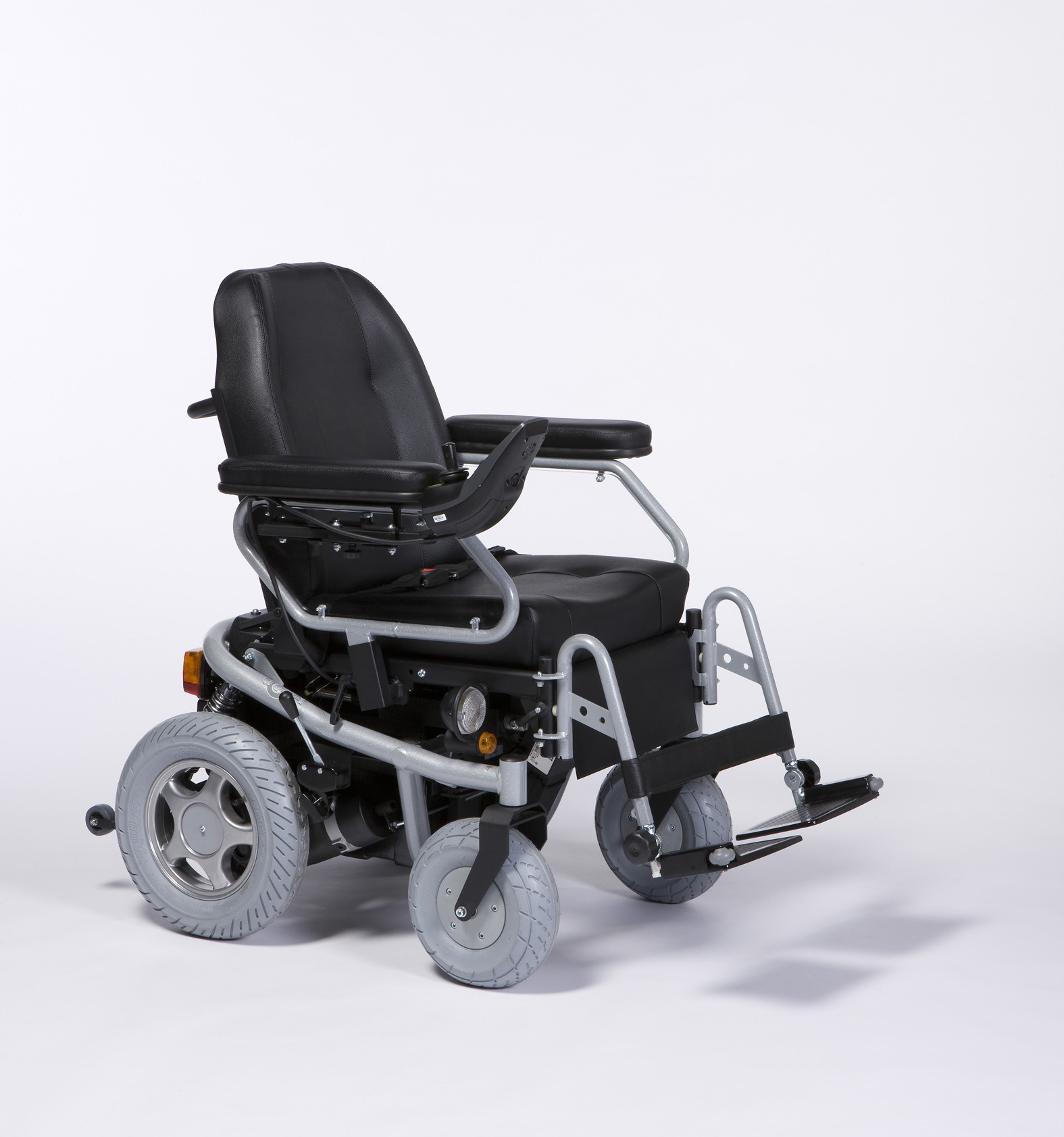 TRACER Wózek z napędem elektrycznym pokojowo-terenowy