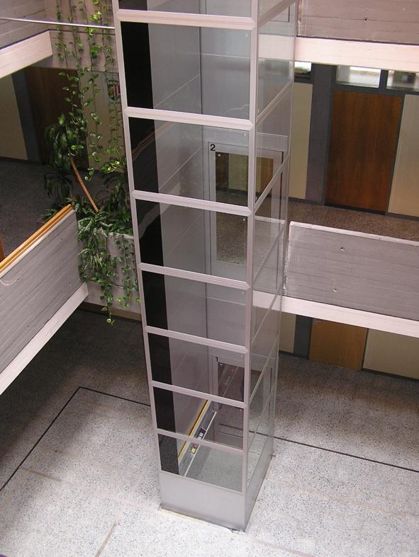 Podnośnik platformowy dla niepełnosprawnych A5000 (wysokość podnoszenia do 15 metrów)